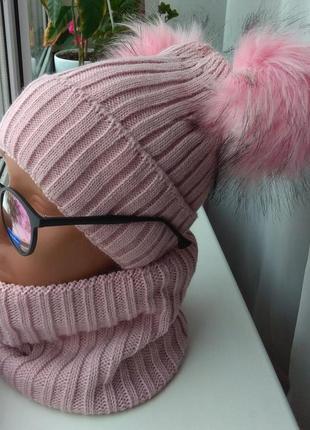 Новый комплект: шапка с двумя бубонами и снуд(полный флис), розовый