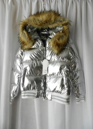 ✅блестящая дутая куртка с эко мехом  енота на капюшоне