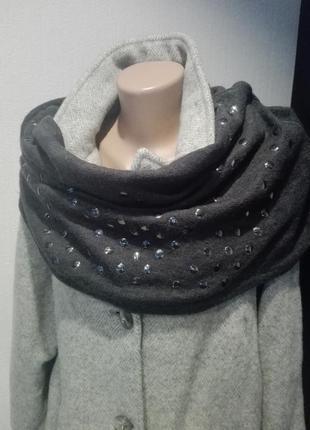 Классный модный шарф снуд с заклепками теплый