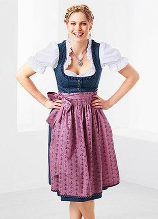 Баварский национальный костюм дирндль для октоберфест.