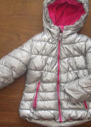Фирменная серебристая деми куртка девочке 4-6 лет в идеале