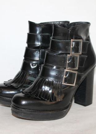 Испания!модные кожаные ботинки 38 размер