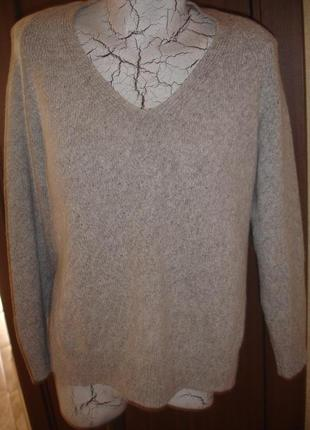 Фирменный autigraph шерстяной теплейший свитер на 46-48 размер новый