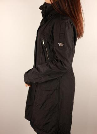Фирменная удлинённая демисезонная куртка dekker