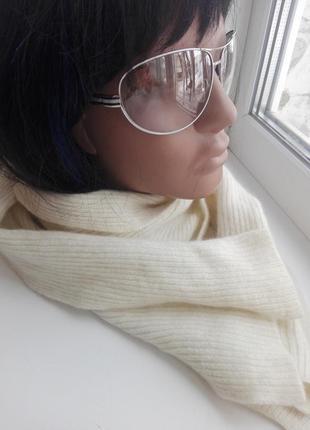 Отличный теплый стильный белый шарф