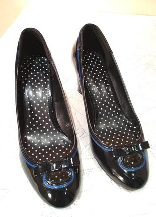 Красивые лаковые туфельки туфли на удобном каблуке 👠