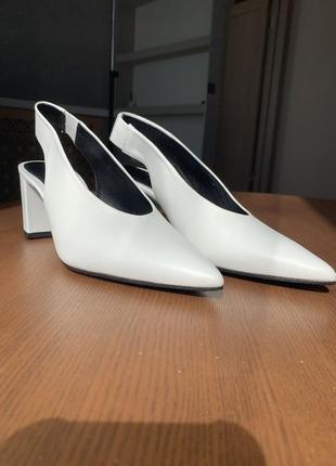 Трендовые туфли без задника!