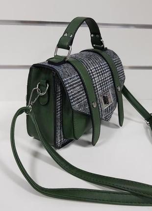 Сумочка зеленая с текстильным декором