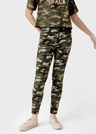 Женские джинсы скинни камуфляж