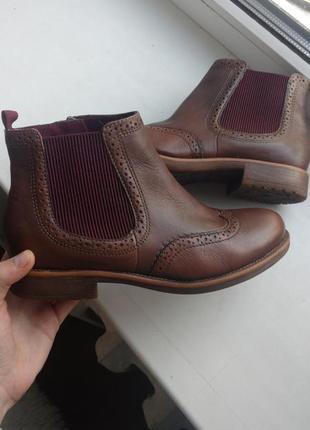 Сапожки , ботинки оригинальные бренда tamaris. покупала за 1800 . предлагайте свою цену