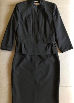 Очень красивый и женственный деловой костюм calvin klein, оригинал, р. s