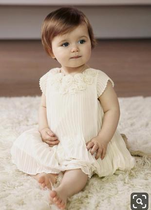 Нарядное платье плиссе mamas & papas