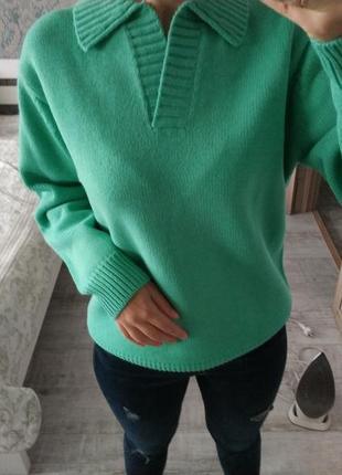 Новый теплый свитер свитер-поло красивого цвета