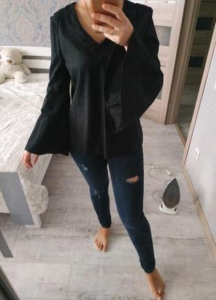 Стильная актуальная кофта блуза с клешенными рукавами хлопок