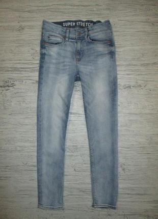 Хорошенькие голубенькие джинсики фирмы h&m на 9-10 лет