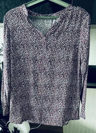 Лёгкая красивая женская цветная рубашка