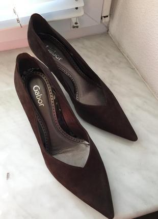 Шикарные туфли лодочки от бренда gabor, новые! кожа