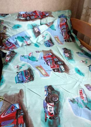 Чудесный набор постельного белья с натуральной ткани, полуторка