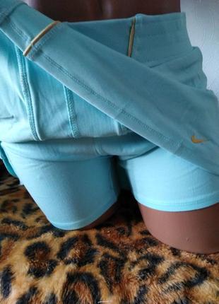 Женская юбка со скрытыми шортиками бренда nike. размер xl.