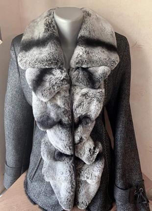 Куртка с натуральным воротником шиншиллы