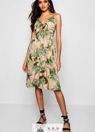 Классные сарафан на пуговицах, летнее платье миди тропический принт  boohoo