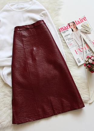 Кожаная лаковая юбка  zara