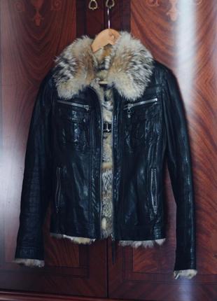 Кожаная куртка с мехом волка5 фото