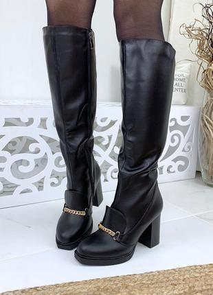 Натуральная кожа осенние кожаные сапоги на устойчивом каблуке с металлическим декором
