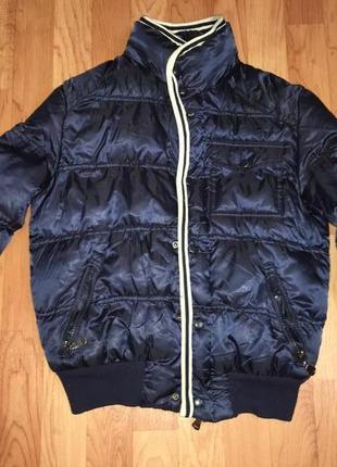 Крутая модная курточка мальчику фирмы moncler 7-8 лет