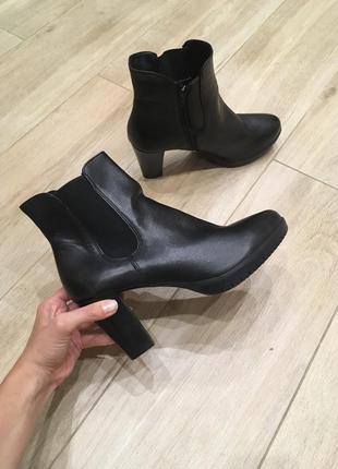 Ботинки з натуральної шкіри від tamaris!!!