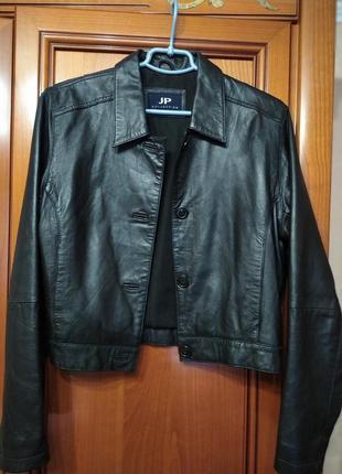 Укороченная кожанная куртка jp