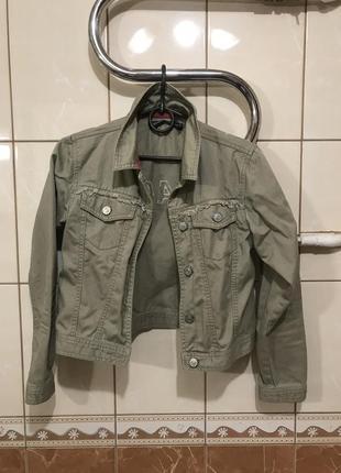 Джинсовая куртка короткая цвет хаки