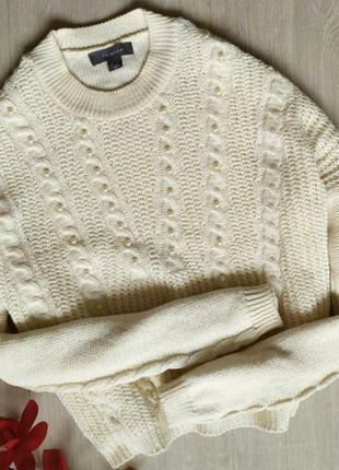 Шикарный свитер с бусинами и косами