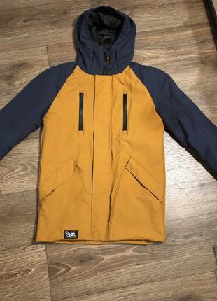 Осенняя куртка staff