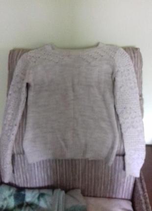 Вязанний светр