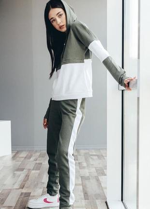 Спортивный космюм хаки оливковый белый с полосками штаны на резинке худи с капюшоном