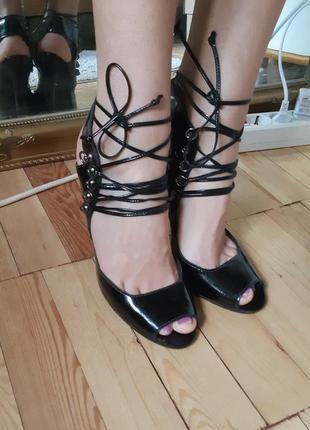 Туфли на шнуровке лаковые туфли с открытым носком