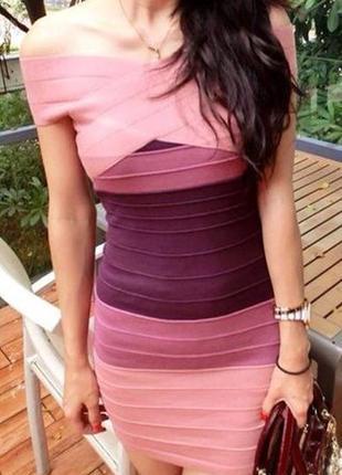 Яркое платье резинка