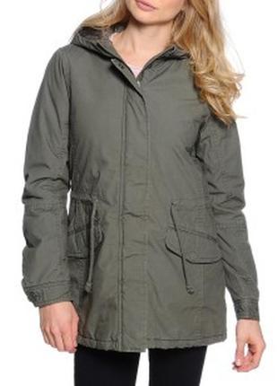 Брендовая демисезонная куртка на молнии с карманами europe цвет хаки большой размер