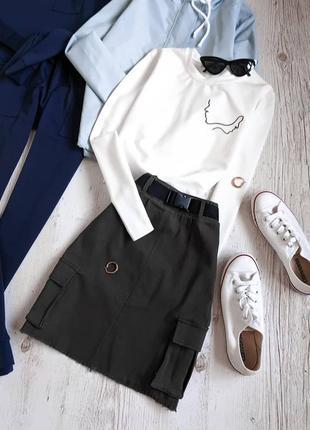 Комплект юбка-хаки и свитшот с вышивкой
