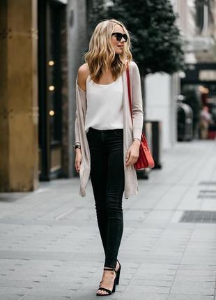Чёрные джинсы на осень