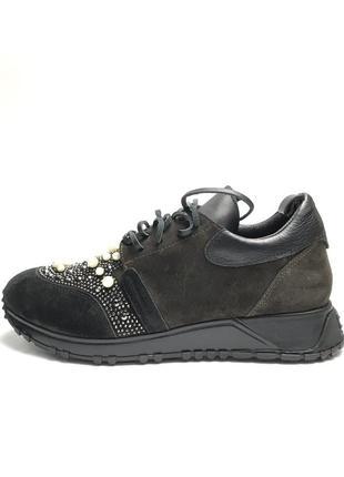 Кожаные , замшевые кроссовки