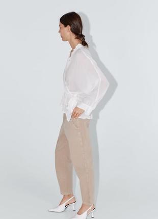 Новые бежевые джинсы zara7 фото