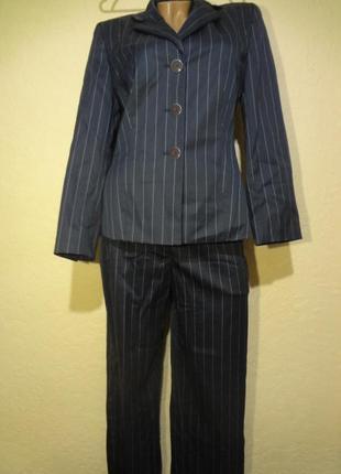 Брючный костюм размер м