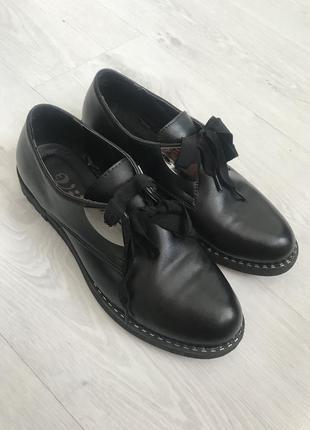 Оксфорды, лоферы, туфли на низком ходу