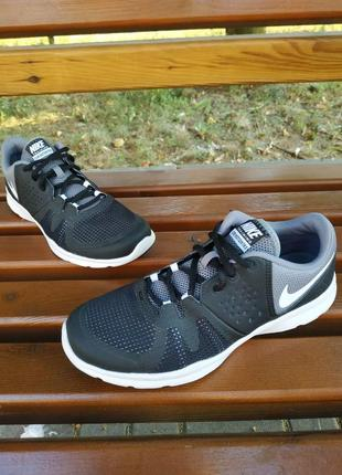 Кроссовки nike training core motion tr 3
