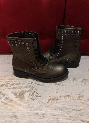 Новые натуральные фирменные ботинки 36р.4 фото