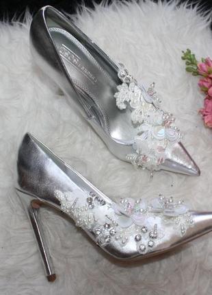 Стильные серебристые туфли лодочки2 фото