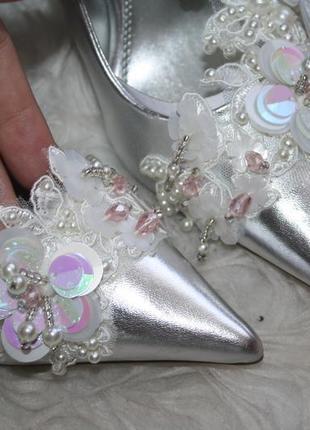 Стильные серебристые туфли лодочки3 фото