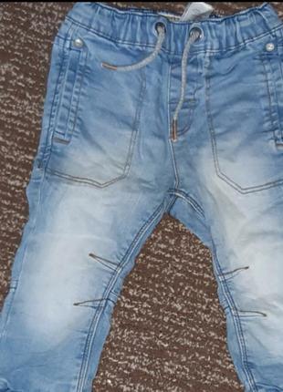 Очень крутые джинсы на мальчика 12-18мес